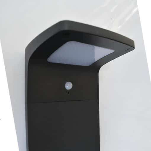 Buy modern solar pathway light online today. Supplied by BlackFrog Solar, these lights are a popular pathway lighting solution for public areas