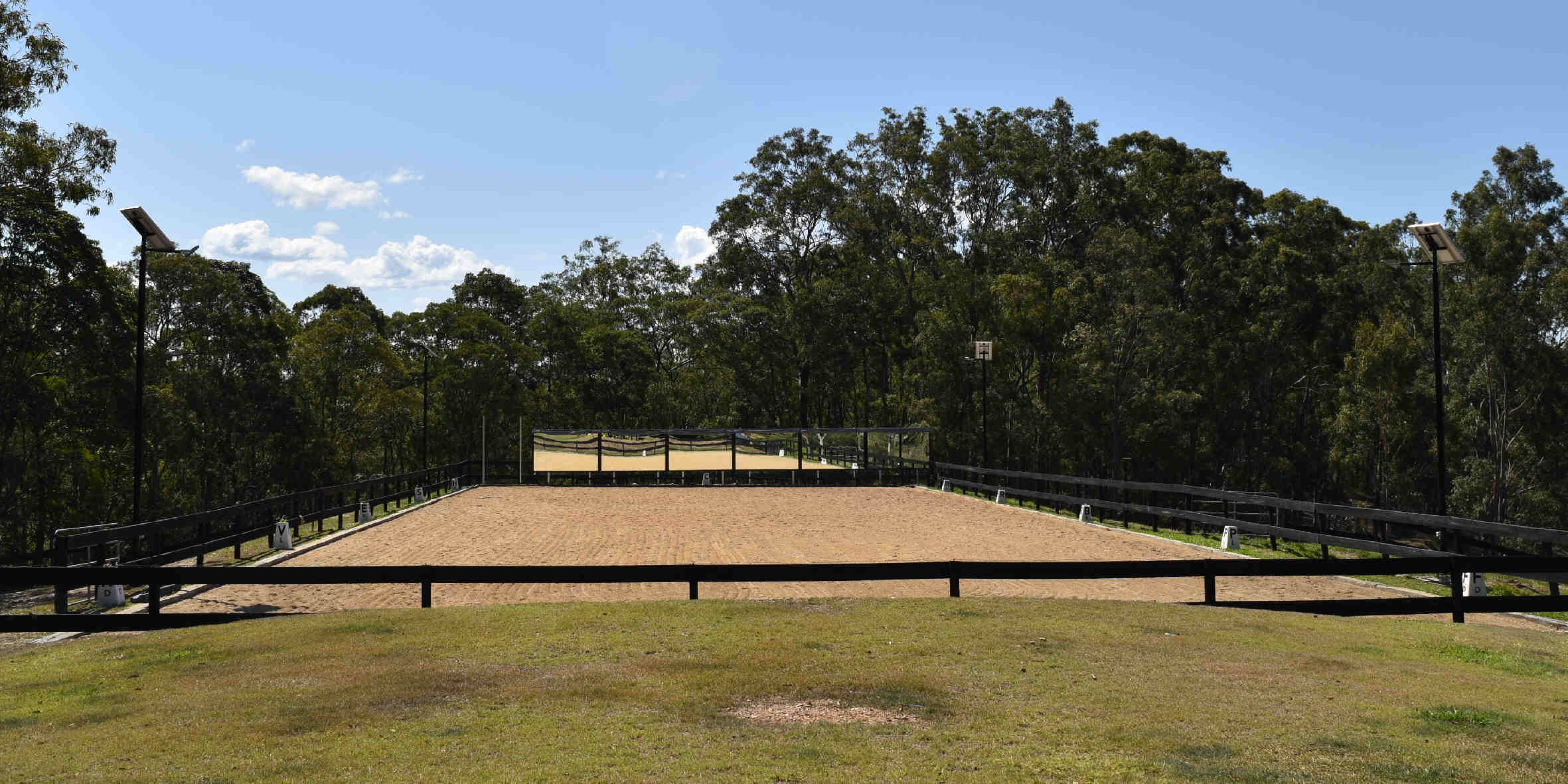 Buy solar flood lights suitable for lighting horse arenas