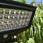 solar-flood-light-endeavour1000-blackfrog-solar.jpg